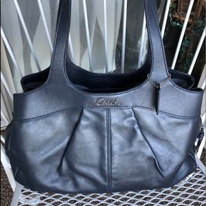 💙👜Coach Leather Lexi Carryall👜💙